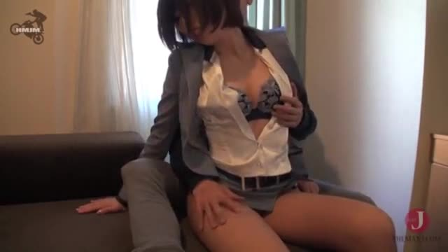 JAPANESE SEXY OFFICE LADY LOVES DICK & SHE GET ORGAZM WITH REMOTE VIBE